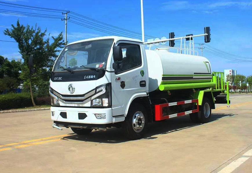 国六东风5吨多利卡D6洒水车