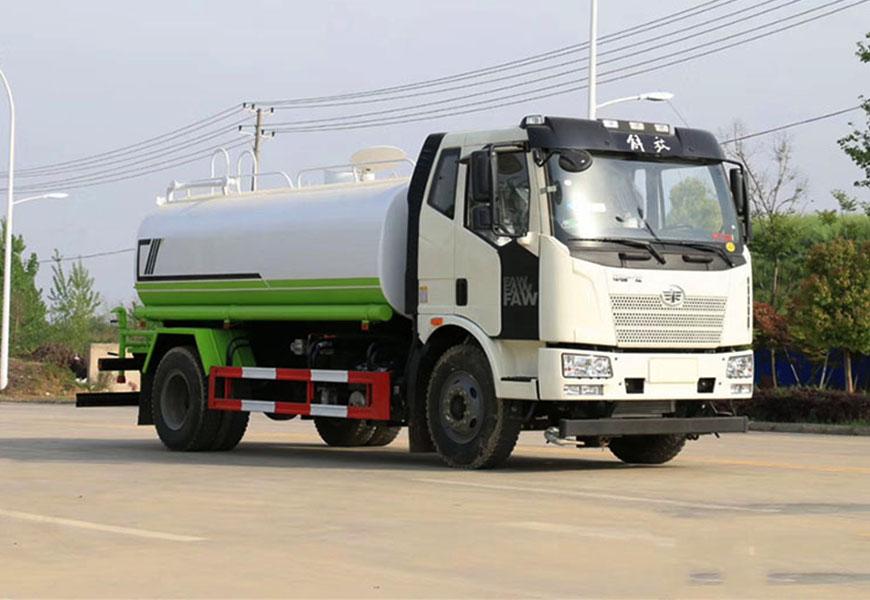 国六解放13吨J6洒水车